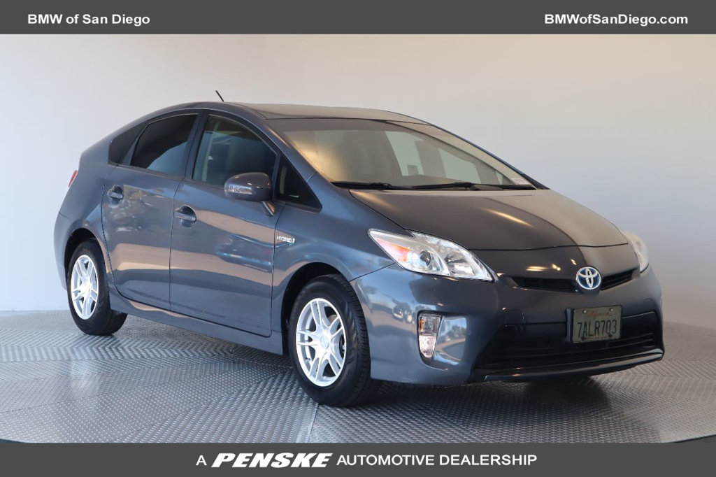 Pre-Owned 2013 Toyota Prius 5dr Hatchback Three